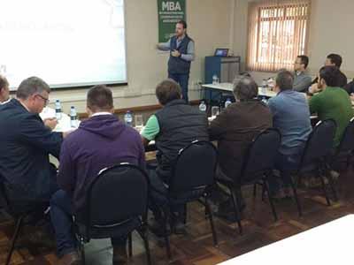 Giro do Trigo promove contato entre indústria moageira e produtores paranaenses